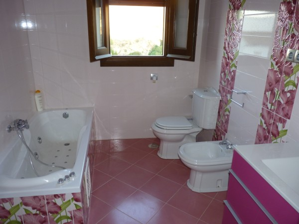 3 Bedroom Antequera Town House with Torcal Mountain Views.properties/10/25.jpg