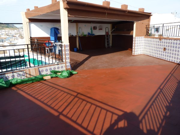 Well located enormous family home, 5 bedrooms, Garage.properties/12/21.jpg