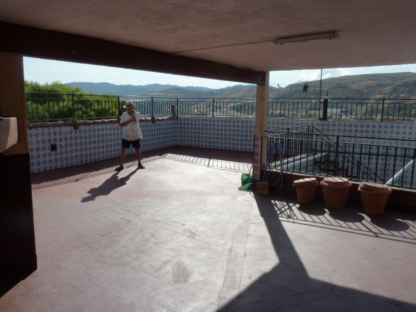 Well located enormous family home, 5 bedrooms, Garage.properties/12/22.jpg