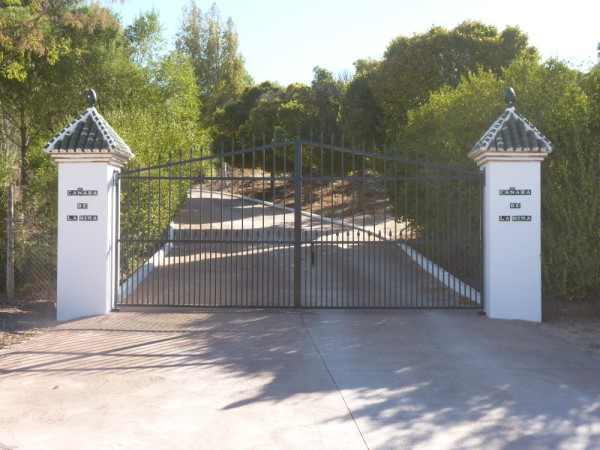 Lovely Finca with large olive and fruit groves, pool, spectacular views, near Antequera Town.properties/14/01.jpeg