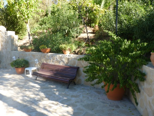 Lovely Finca with large olive and fruit groves, pool, spectacular views, near Antequera Town.properties/14/08.jpg