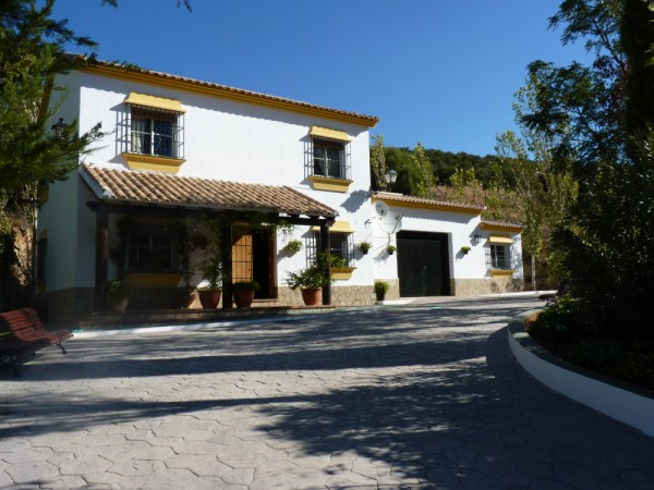 Lovely Finca with large olive and fruit groves, pool, spectacular views, near Antequera Town.properties/14/14.jpg