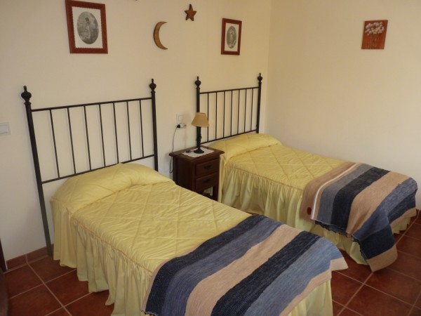 Lovely Finca with large olive and fruit groves, pool, spectacular views, near Antequera Town.properties/14/29.jpg