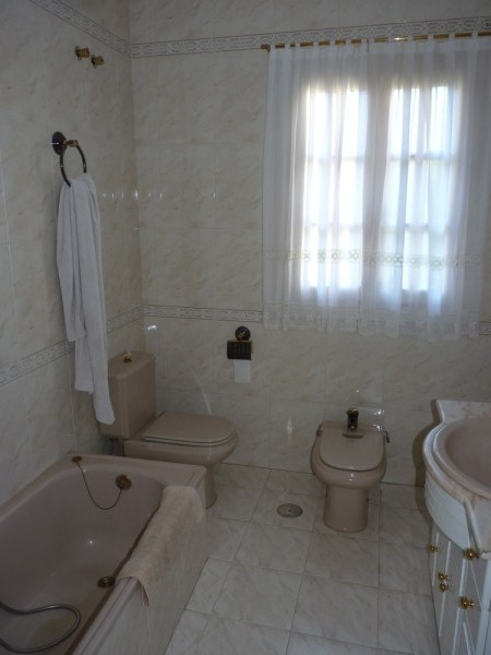 Elegant Villa in sought after area, Antequera.properties/16/26.jpg
