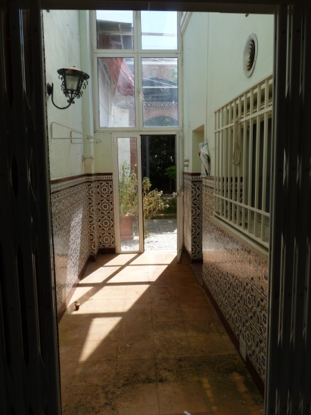 FANTASTIC OPPORTUNITY: 3 Bed, 2 Bath Townhouse. Central Location.properties/2/03.jpeg