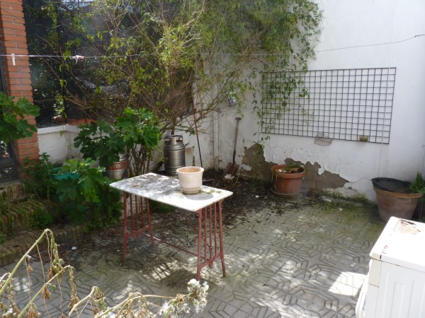 FANTASTIC OPPORTUNITY: 3 Bed, 2 Bath Townhouse. Central Location.properties/2/11.jpeg