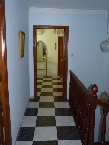 FANTASTIC OPPORTUNITY: 3 Bed, 2 Bath Townhouse. Central Location.properties/2/14.jpeg