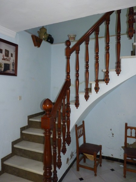 FANTASTIC OPPORTUNITY: 3 Bed, 2 Bath Townhouse. Central Location.properties/2/17.jpeg