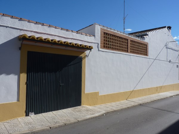 Substantial Townhouse with large garage   .properties/21/02.jpg