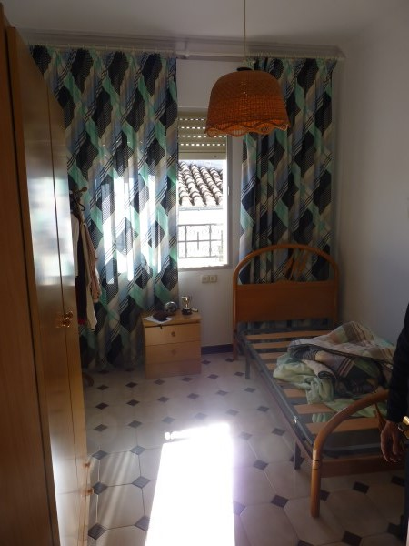 Substantial Townhouse with large garage   .properties/21/10.jpg