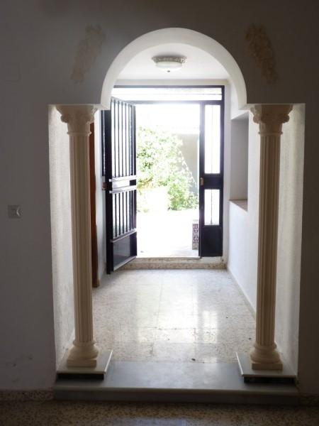 Spacious Antequera town house. Lots of potential