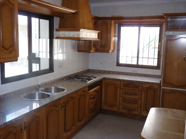 Spacious Antequera town house. Lots of potential.properties/26/02.jpeg