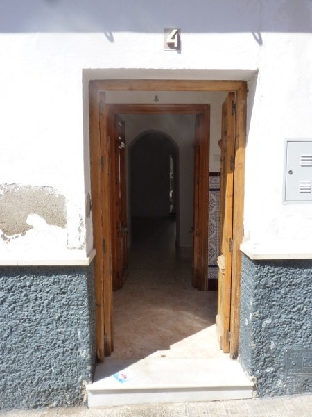 Spacious Antequera town house. Lots of potential.properties/26/04.jpeg