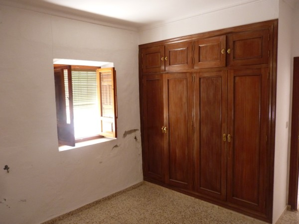 Spacious Antequera town house. Lots of potential.properties/26/06.jpeg