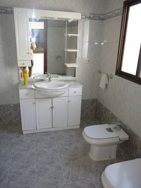 Spacious Antequera town house. Lots of potential.properties/26/11.jpeg