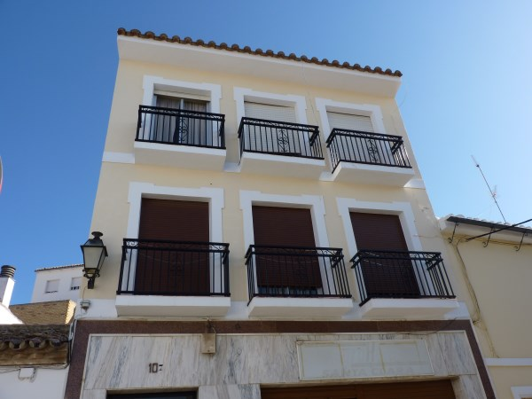 Bargain priced large Apartment  in Antequera town with views.properties/36/01.jpg