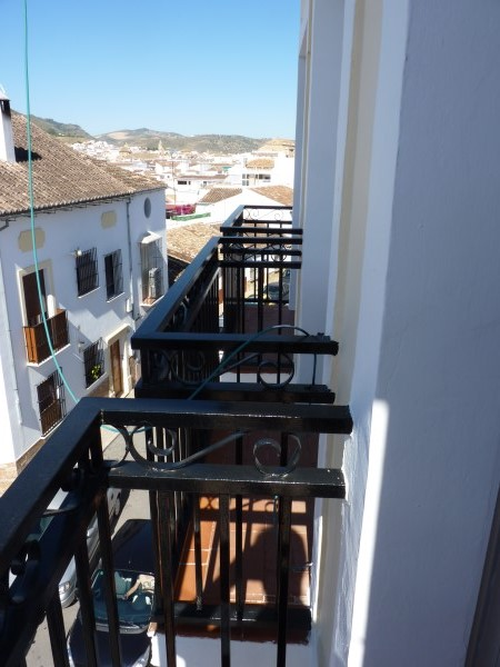 Bargain priced large Apartment  in Antequera town with views.properties/36/03.jpg