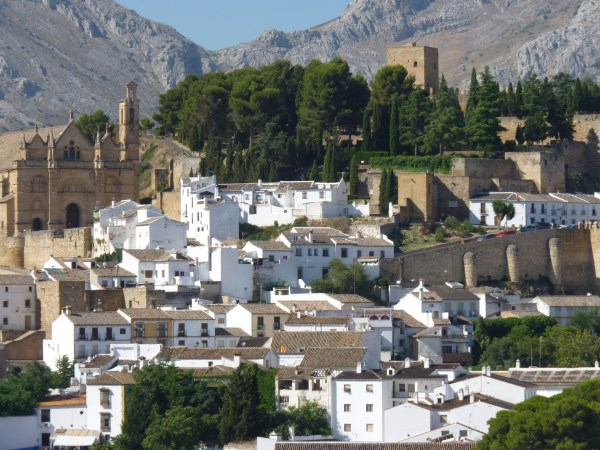 Bargain priced large Apartment  in Antequera town with views.properties/36/04.jpg