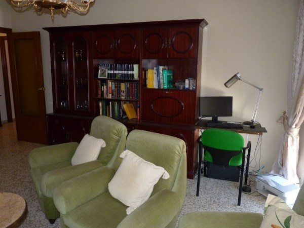 Bargain priced large Apartment  in Antequera town with views.properties/36/06.jpg