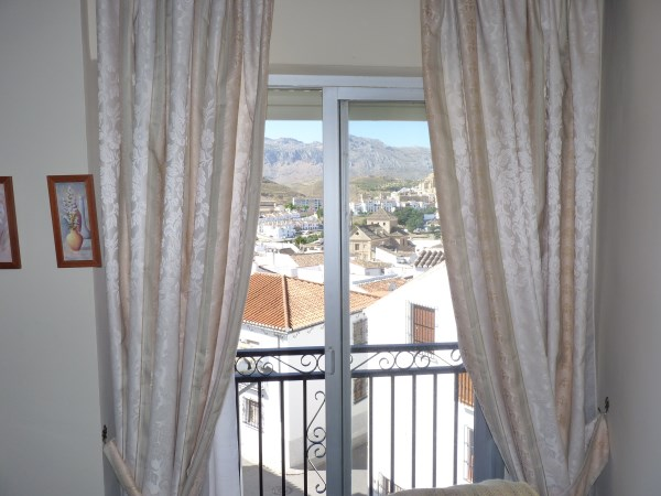 Bargain priced large Apartment  in Antequera town with views.properties/36/09.jpg