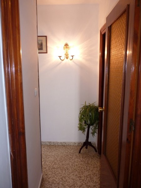Bargain priced large Apartment  in Antequera town with views.properties/36/22.jpg