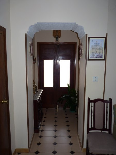Large well priced 3 bedroomed corner house with garage in central Antequera town.properties/38/04.jpg