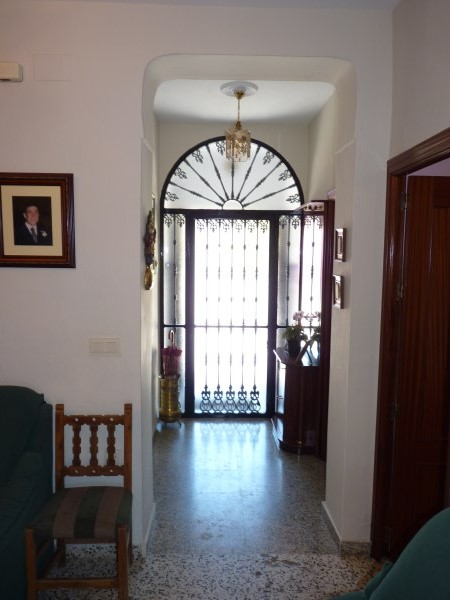 A charming compact house, in a tranquil location, with spacious private patio. Antequera town. .properties/39/03.jpg