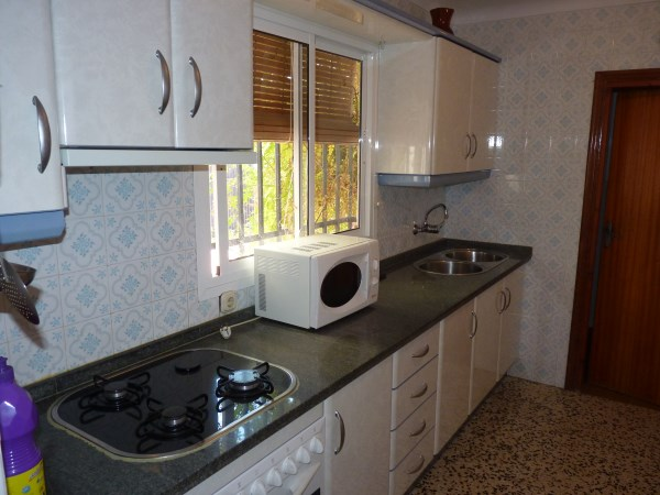 A charming compact house, in a tranquil location, with spacious private patio. Antequera town. .properties/39/06.jpg