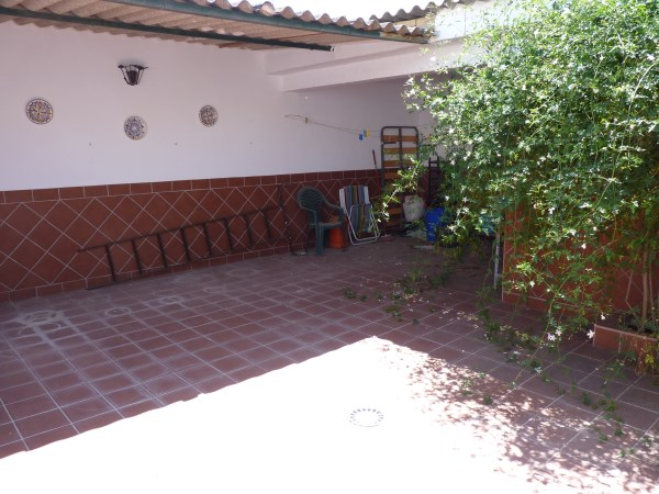 A charming compact house, in a tranquil location, with spacious private patio. Antequera town. .properties/39/16.jpg