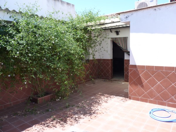 A charming compact house, in a tranquil location, with spacious private patio. Antequera town. .properties/39/17.jpg