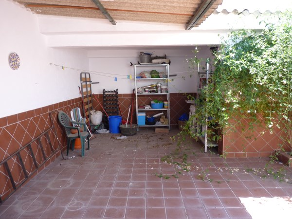 A charming compact house, in a tranquil location, with spacious private patio. Antequera town. .properties/39/18.jpg