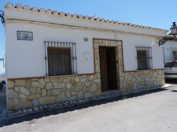 A charming compact house, in a tranquil location, with spacious private patio. Antequera town. .properties/39/26.jpg