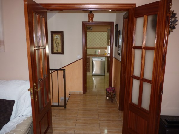 Nicely presented 3 bedroom townhouse near Antequera Sports Club. Large garage. .properties/42/14.jpg