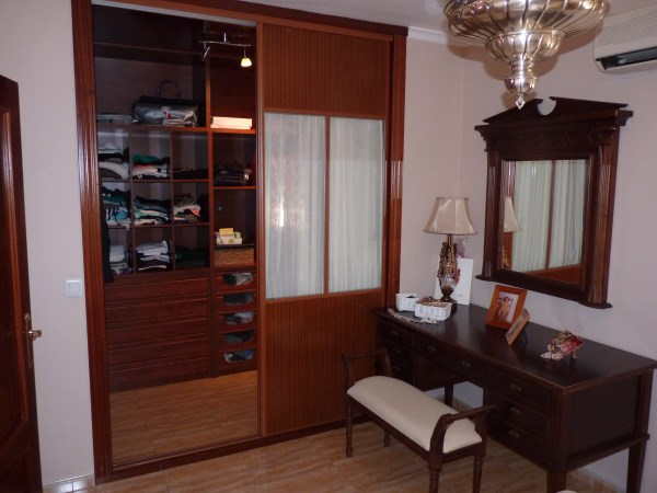 Nicely presented 3 bedroom townhouse near Antequera Sports Club. Large garage. .properties/42/18.jpg
