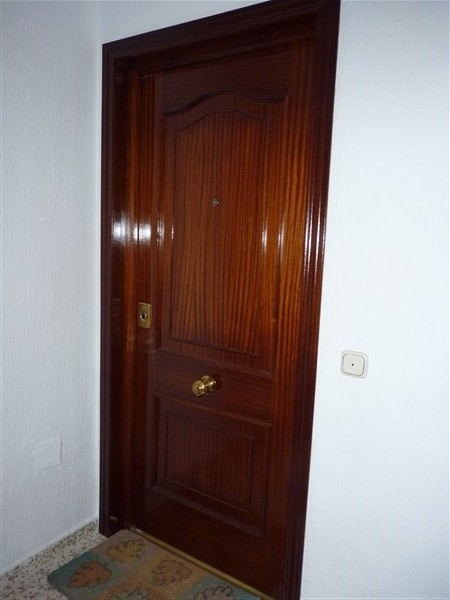Very well located 3 bedroom apartment in private courtyard.properties/43/04.jpg