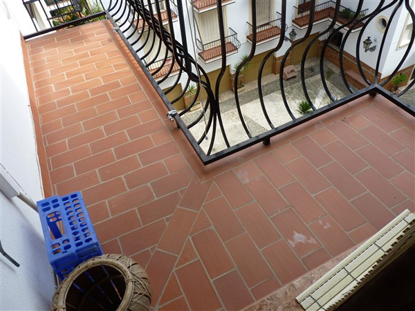 Very well located 3 bedroom apartment in private courtyard.properties/43/11.jpg