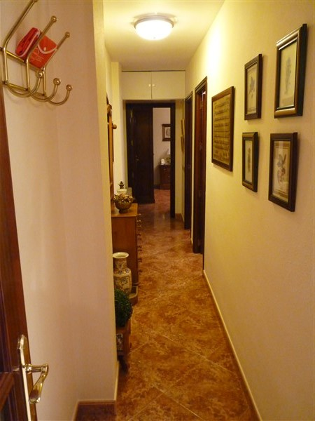 Very well located 3 bedroom apartment in private courtyard.properties/43/13.jpg