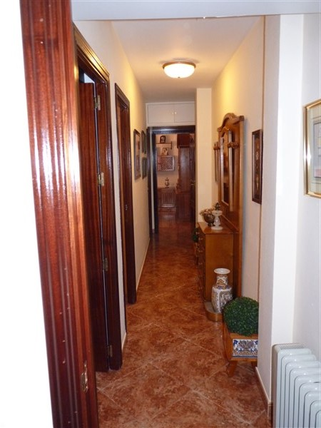 Very well located 3 bedroom apartment in private courtyard.properties/43/20.jpg