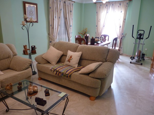 Beautiful 4 Bedroom Semi Detached Townhouse, with large garage. Antequera town.   .properties/8/03.jpg
