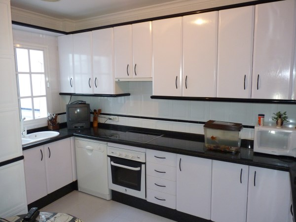 Beautiful 4 Bedroom Semi Detached Townhouse, with large garage. Antequera town.   .properties/8/04.jpg