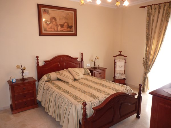 Beautiful 4 Bedroom Semi Detached Townhouse, with large garage. Antequera town.   .properties/8/16.jpg