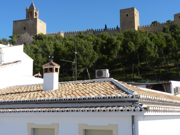 Beautiful 4 Bedroom Semi Detached Townhouse, with large garage. Antequera town.   .properties/8/24.jpg