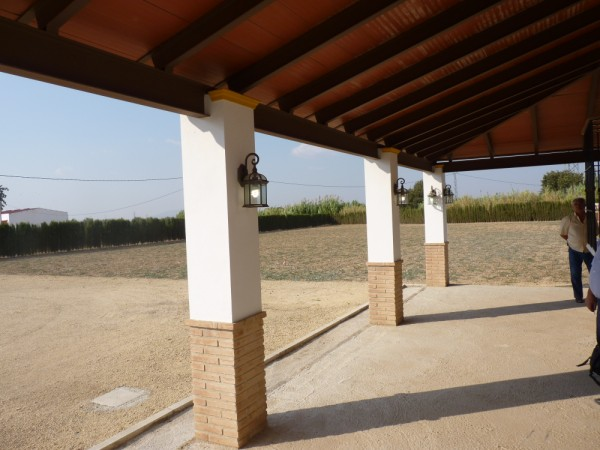 Private Villa with land. 5 minutes Antequera Town. Great opportunity for making a tailor made home with enormous gardens