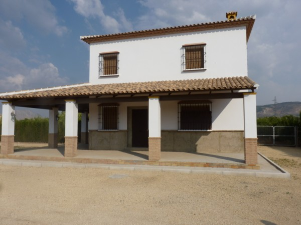 Private Villa with land. 5 minutes Antequera Town. Great opportunity for making a tailor made home with enormous gardens.properties/9/03.jpeg