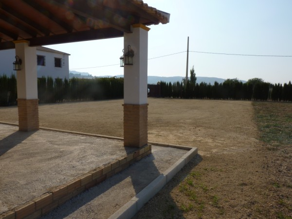 Private Villa with land. 5 minutes Antequera Town. Great opportunity for making a tailor made home with enormous gardens.properties/9/30.jpeg